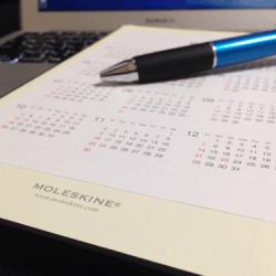 【モレスキンカスタム】方眼ノートにカレンダーを貼ってたらいい感じ!2014年版