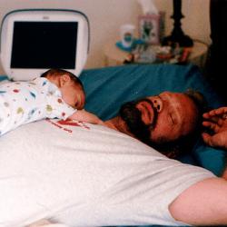 【子育てチラ裏日記】なぜ赤ちゃんは寝るときのベスポジを延々と探しながらゴロンゴロンと寝返りを繰り返すのか